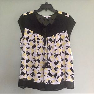 NWT Short Sleeve Blouse Shirt Geometric Pattern